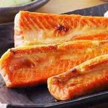 鮭ハラスの大トロ炭火焼