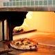 自家製生地と400℃のピッツァ窯で焼くこだわりの本格ピッツァ!