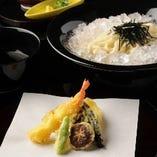 特選天ざるおうどん 海老天ぷら、旬野菜色々