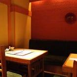 テーブル4名様×2