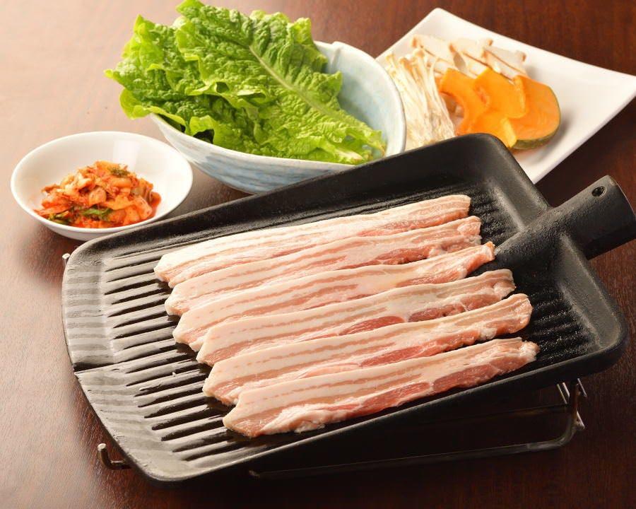 【平日】《当日予約OK》ご家族連れでも♪■サムギョプサル+韓国家庭料理100分食べ放題 2500円