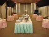 8階の大宴会場 立食で120名様、着席で80名様まで