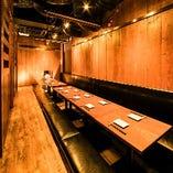 ■ やきとり家 すみれ 横浜西口店 最大32名様向け半個室席 ■
