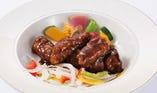 【メインが選べるランチブッフェ】国産豚を使った黒酢ソースの酢豚