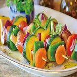 彩り華やかな『彩り野菜串』