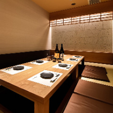 自然素材を使った暖かい雰囲気の個室