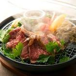 新鮮野菜と国産黒毛牛の燻製ステーキ