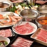 4種の肉からズワイガニまでご堪能頂ける豪華コースございます!