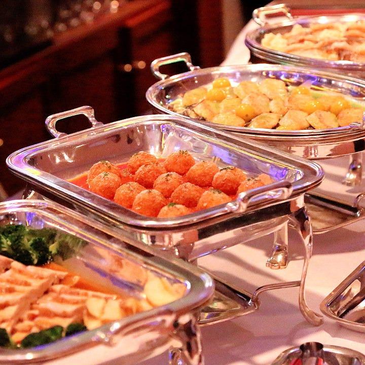 貸切の際はお料理を華やかなビュッフェでご提供いたします!