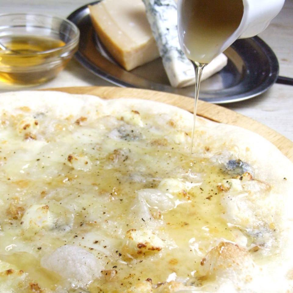 絶品!毎日生地から作る自家製ピザ