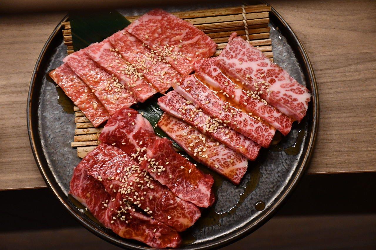 【極】12種の個室焼肉コース料理【贅沢なお肉が食べれる】2名樣から承ります