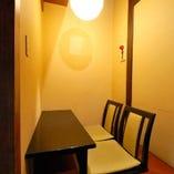 串かつ屋では珍しい、 2名様~最大27名様迄入れる個室を完備!