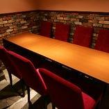店内奥の半個室テーブル席