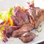■ラム肉料理(ジンギスカン、モモ肉グリルなど)