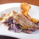■紫ポテトサラダと炙りベーコン