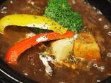 じっくり煮込んだ土鍋でビーフシチュー