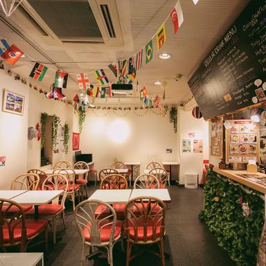 ビールダイニング サクラカフェ神保町 店内の画像