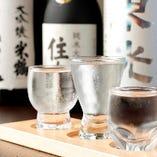 山形の酒蔵の銘酒のみを厳選仕入れ。まずは利き酒セットで乾杯