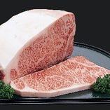 肥育期間33ヶ月以上の一頭買い米沢牛【山形県】