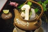 涼しくなってきました。松茸土瓶蒸しは、いかがですか?