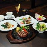 【夜のフルコース】 贅沢なステーキのコースをご堪能ください。