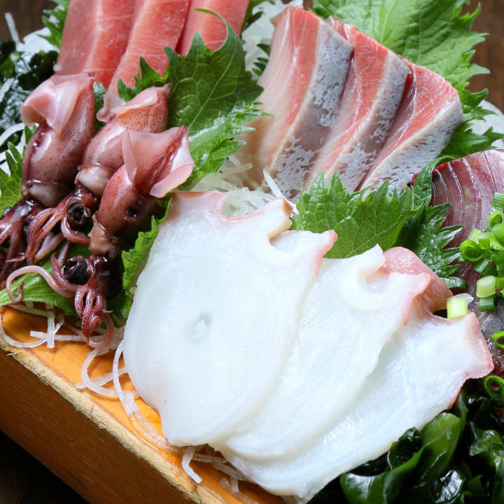 ご宴会に花を添える「刺盛」 旬の鮮魚をお愉しみください。