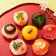 可愛らしい彩り手まり寿司