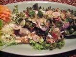 ヤムサバー(サバサラダ) なんと鯖のサラダ、予想以上の美味