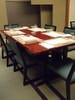 個室に体や腰が楽なテーブルや椅子を完備! (小さいお部屋で3~8名様)