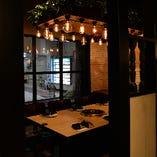 外の景色を眺めながらお食事可能な半個室