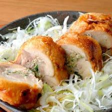 バラエティ豊かな鶏料理は絶品揃い
