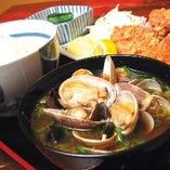 特製貝汁と小皿付き定食