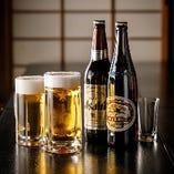 スッキリとした喉越しの生ビールや、芳醇な旨味と苦味の瓶ビールも健在です
