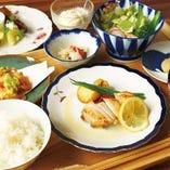 「週替わりine御膳」などボリュームたっぷりのお得なランチ!