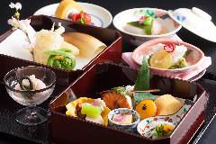 クサツエストピアホテル 日本料理 あお花