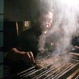 串は1本から注文可です。マスターが炭火で丁寧に焼きます。