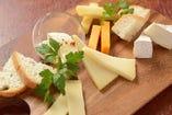 道東チーズ工房厳選!チーズの盛り合わせ