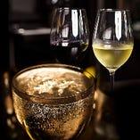 ご宴会コースは、本格 赤&白ワイン・スパークリングワインも飲み放題!