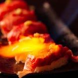黒毛和牛を使った肉寿司は絶対に食べていただきたい逸品!