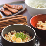 【新メニュー】 牛たんの旨味たっぷりの釜めし風ご飯