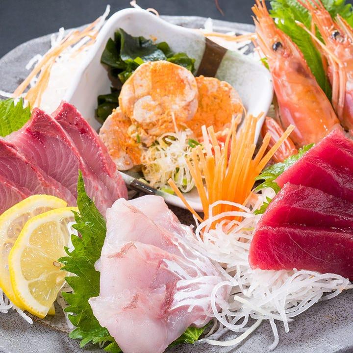魚といえばやっぱり豊洲!鮮魚を贅沢に味わう豊洲直送5点盛り