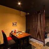【1階】パーテーションで仕切られたテーブル席(4名様×3)