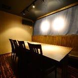 1階の完全個室は8名様迄×2室をご用意しております
