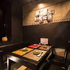 【半個室】片側ソファーテーブル席(4名様×3卓)