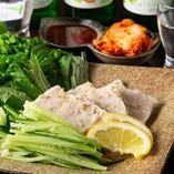 やわらかくヘルシーな『ポッサム』など韓国料理が充実◎