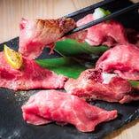 漢方和牛の肉寿司!3貫880円、6貫1680円