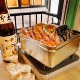 豪快!焼き牡蠣1kg 2,500円(税込)持ち込みプランもあります。