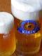 旨いと評判の生ビール、1リットルジョッキはうれしい重さ。