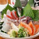季節を感じられる今が旬の鮮魚を、お刺身でご堪能いただけます