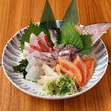 鮮魚のお刺身は必至の逸品
